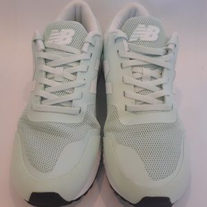 Women's New Balance 005 Running Shoes